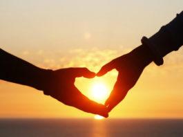 Вам нужно научиться дарить любовь!