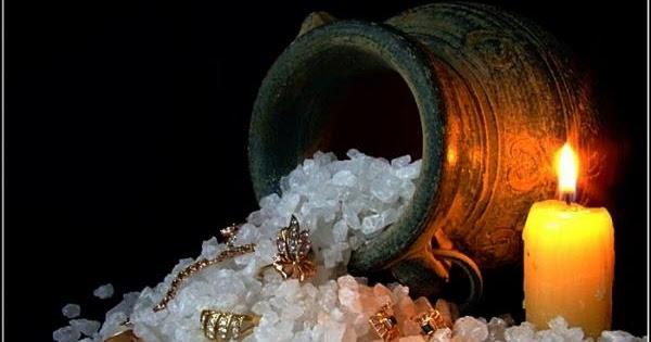 """Старинный ритуал """"Заряженная на деньги соль"""""""