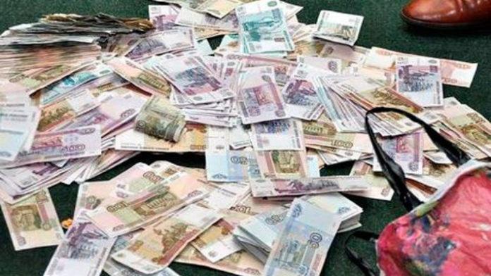 Прячьте деньги под порог