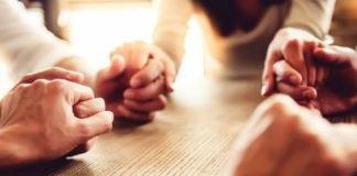 Помолитесь за родных и близких (видео)