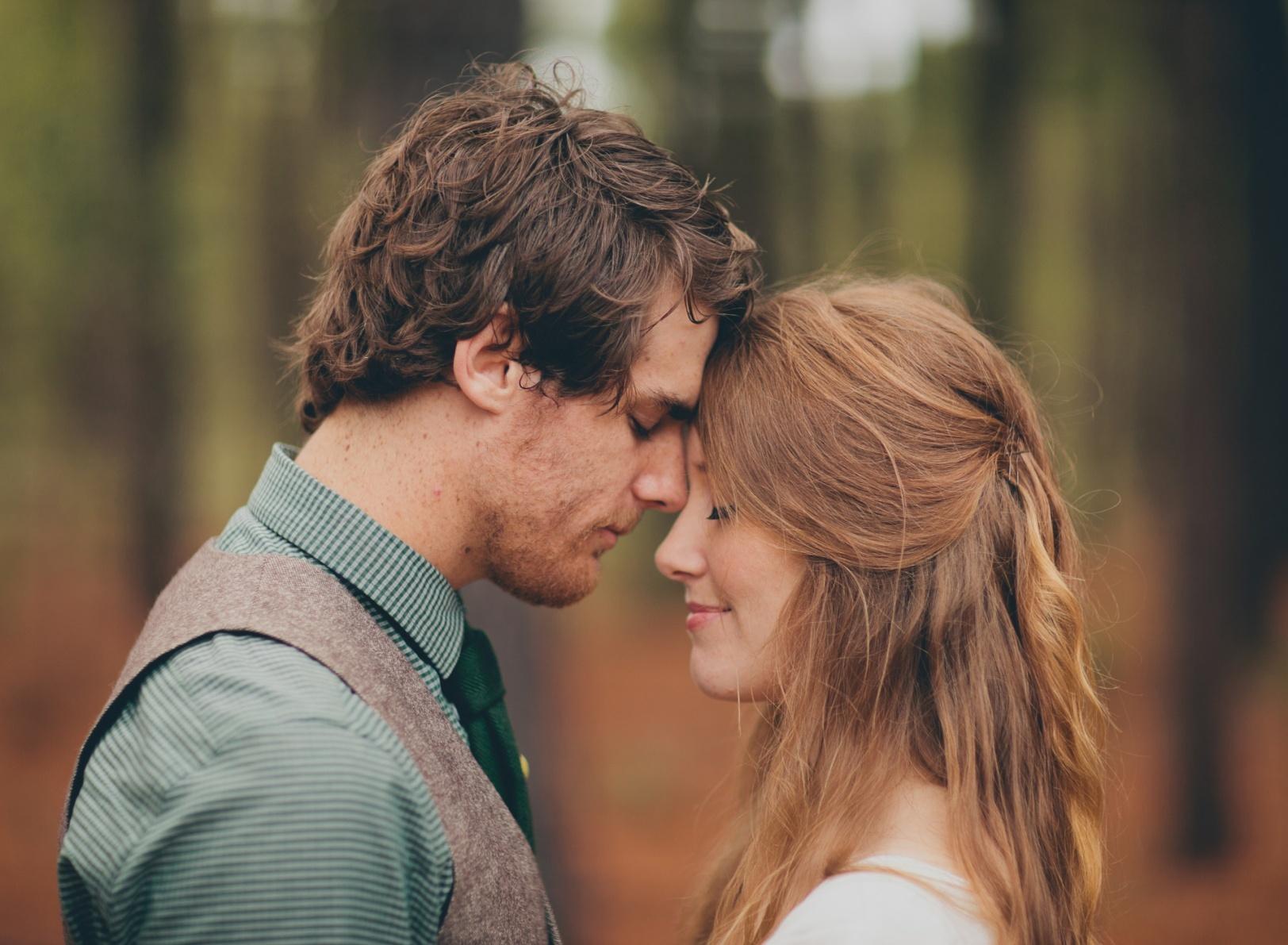 https://www.blackpantera.ru/articles/wp-content/uploads/2020/06/lovers-feeling-romance-paren.jpg